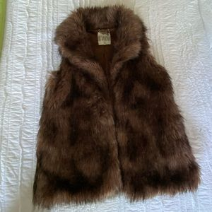 PERFECT CONDITION Faux Fur Vest with Pockets!